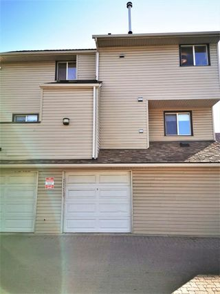 Photo 1: 277 86 Glamis Green SW in Calgary: Glamorgan Row/Townhouse for sale : MLS®# A1039638