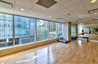 "Photo 6: 2003 1077 W CORDOVA Street in Vancouver: Coal Harbour Condo for sale in ""SHAW TOWER-COAL HARBOUR WATERFRONT"" (Vancouver West)  : MLS®# R2526230"