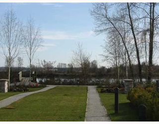 "Photo 8: 7 19452 FRASER Way in Pitt_Meadows: South Meadows Townhouse for sale in ""SHORELINE"" (Pitt Meadows)  : MLS®# V702540"