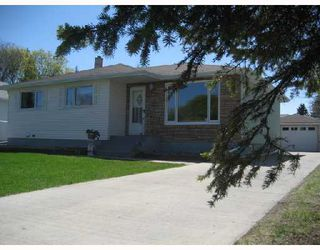 Photo 1: 34 FARWELL Bay in WINNIPEG: Fort Garry / Whyte Ridge / St Norbert Residential for sale (South Winnipeg)  : MLS®# 2808825