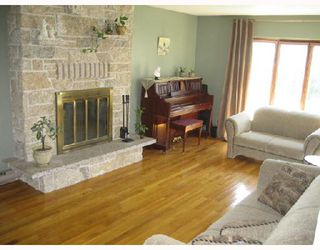 Photo 4: 34 FARWELL Bay in WINNIPEG: Fort Garry / Whyte Ridge / St Norbert Residential for sale (South Winnipeg)  : MLS®# 2808825