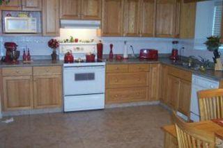 Photo 5: Edmonton, Alberta: RED for sale (Canada)  : MLS®# E3072485