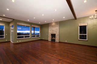 "Photo 3: 3227 CHARTWELL Lane in Coquitlam: Westwood Plateau House for sale in ""CHARTWELL GREEN"" : MLS®# R2424692"
