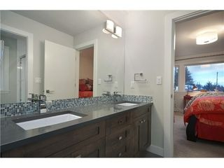 Photo 5: 2790 Edgemont Boulevard in North Vancouver: Edgemont Home for sale ()  : MLS®# V990678