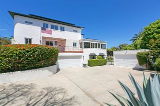 Photo 2: POINT LOMA House for sale : 5 bedrooms : 2355 Willow St in San Diego