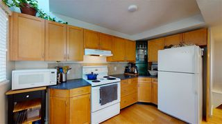"Photo 3: 6 1434 MAHON Avenue in North Vancouver: Central Lonsdale Townhouse for sale in ""EXECUTIVE PLACE"" : MLS®# R2462346"