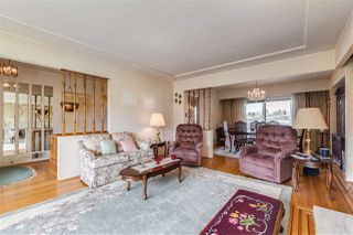 "Photo 3: 4657 FAIRLAWN Drive in Burnaby: Brentwood Park House for sale in ""BRENTWOOD"" (Burnaby North)  : MLS®# R2465254"