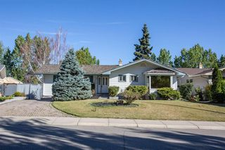 Main Photo: 28 GLENFIELD Road SW in Calgary: Glendale Detached for sale : MLS®# A1027055
