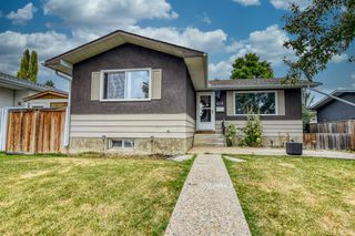 Photo 2: 419 HUNTBOURNE Hill NE in Calgary: Huntington Hills Detached for sale : MLS®# A1033993