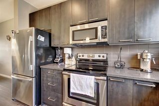 Photo 5: 25 COPPERPOND Road SE in Calgary: Copperfield Row/Townhouse for sale : MLS®# A1036564