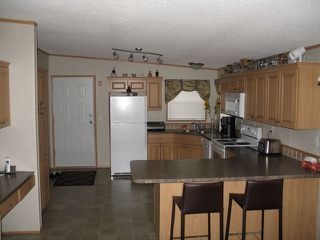 Photo 3: #37-1655 Ord Rd in Kamloops: Manufactured Home for sale : MLS®# 107393