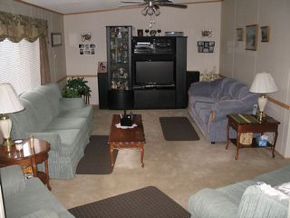 Photo 5: #37-1655 Ord Rd in Kamloops: Manufactured Home for sale : MLS®# 107393