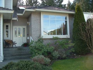 Photo 2: 3041 EASTVIEW Street in Abbotsford: Central Abbotsford House for sale : MLS®# F2804907