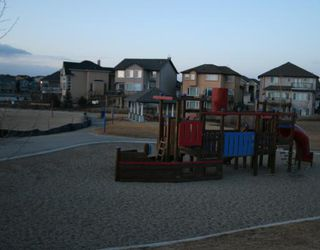 Photo 8: 26 Crystal Shores Road: Okotoks Residential Detached Single Family for sale : MLS®# C3315878