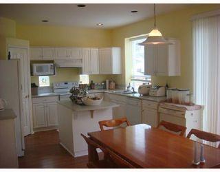 Photo 3: 1372 PO AV: House for sale : MLS®# V709829