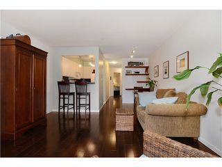 Photo 4: # 205 908 W 7TH AV in Vancouver: Fairview VW Condo for sale (Vancouver West)  : MLS®# V1016184