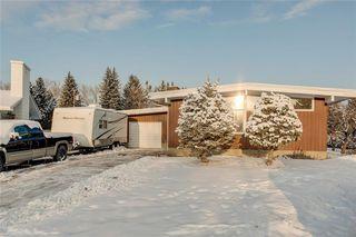 Photo 1: 1220 MAPLEGLADE Place SE in Calgary: Maple Ridge Detached for sale : MLS®# C4277925