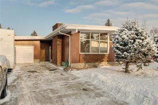Photo 2: 1220 MAPLEGLADE Place SE in Calgary: Maple Ridge Detached for sale : MLS®# C4277925