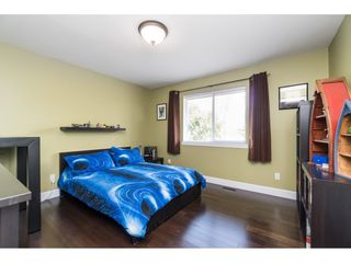 """Photo 13: 4644 220 Street in Langley: Murrayville House for sale in """"Upper Murrayville"""" : MLS®# R2447526"""