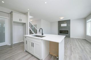 Photo 13: 89 Creekside Way SW in Calgary: C-168 Detached for sale : MLS®# A1013282