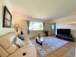 Photo 5: 1875 Townley St in : SE Camosun House for sale (Saanich East)  : MLS®# 850301