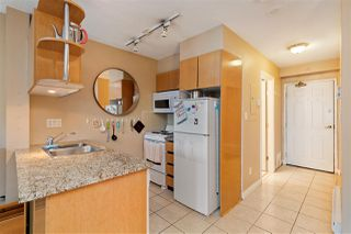 """Photo 12: 214 1189 HOWE Street in Vancouver: Downtown VW Condo for sale in """"GENESIS"""" (Vancouver West)  : MLS®# R2495232"""