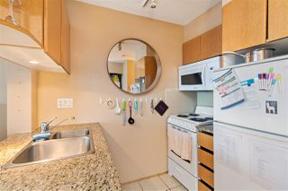 """Photo 14: 214 1189 HOWE Street in Vancouver: Downtown VW Condo for sale in """"GENESIS"""" (Vancouver West)  : MLS®# R2495232"""