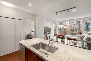 """Photo 4: 603 821 CAMBIE Street in Vancouver: Downtown VW Condo for sale in """"Raffles on Robson"""" (Vancouver West)  : MLS®# R2527535"""