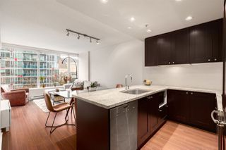 """Photo 2: 603 821 CAMBIE Street in Vancouver: Downtown VW Condo for sale in """"Raffles on Robson"""" (Vancouver West)  : MLS®# R2527535"""