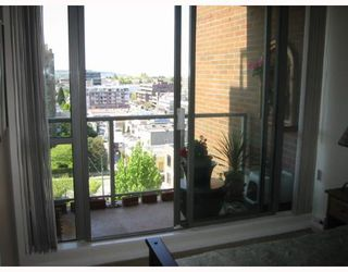 "Photo 6: 903 1575 W 10TH Avenue in Vancouver: Fairview VW Condo for sale in ""THE TRITON"" (Vancouver West)  : MLS®# V647420"