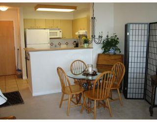 "Photo 3: 903 1575 W 10TH Avenue in Vancouver: Fairview VW Condo for sale in ""THE TRITON"" (Vancouver West)  : MLS®# V647420"