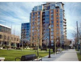 "Photo 1: 903 1575 W 10TH Avenue in Vancouver: Fairview VW Condo for sale in ""THE TRITON"" (Vancouver West)  : MLS®# V647420"