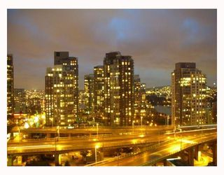 "Photo 9: 1103 1455 HOWE Street in Vancouver: False Creek North Condo for sale in ""POMARIA"" (Vancouver West)  : MLS®# V671623"