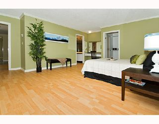 """Photo 6: PH1 1500 HOWE Street in Vancouver: False Creek North Condo for sale in """"DISCOVERY"""" (Vancouver West)  : MLS®# V677666"""