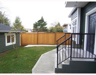 Photo 3: 1783 E 15TH Avenue in Vancouver: Grandview VE House 1/2 Duplex for sale (Vancouver East)  : MLS®# V688271