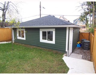 Photo 4: 1783 E 15TH Avenue in Vancouver: Grandview VE House 1/2 Duplex for sale (Vancouver East)  : MLS®# V688271