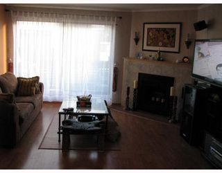 Photo 2: 2 6431 COONEY Road in Richmond: Brighouse Townhouse for sale : MLS®# V689216