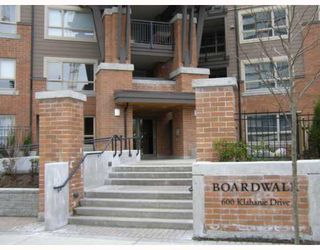 "Photo 1: 116 600 KLAHANIE Drive in Port_Moody: Port Moody Centre Condo for sale in ""BOARD WALK"" (Port Moody)  : MLS®# V715924"