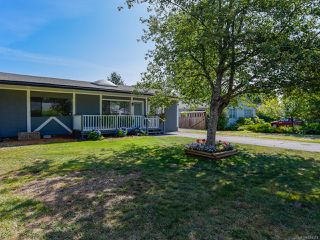 Photo 1: 1784 URQUHART Avenue in COURTENAY: CV Courtenay City House for sale (Comox Valley)  : MLS®# 821374