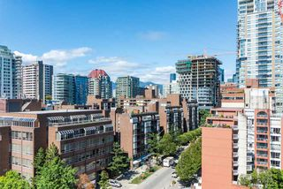 Photo 8: 1404 888 PACIFIC Street in Vancouver: Yaletown Condo for sale (Vancouver West)  : MLS®# R2400406