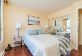 Photo 2: 1404 888 PACIFIC Street in Vancouver: Yaletown Condo for sale (Vancouver West)  : MLS®# R2400406