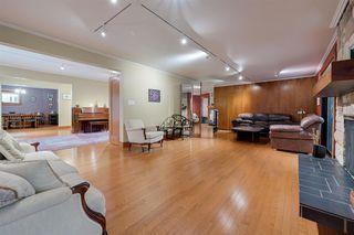 Photo 8: 13104 CHURCHILL Crescent in Edmonton: Zone 11 House for sale : MLS®# E4182433