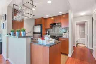 "Photo 8: 2606 455 BEACH Crescent in Vancouver: Yaletown Condo for sale in ""PARK WEST 1"" (Vancouver West)  : MLS®# R2430725"