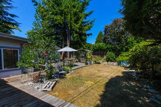 """Photo 15: 1148 MAPLEWOOD Crescent in North Vancouver: Norgate House for sale in """"NORGATE"""" : MLS®# R2439525"""