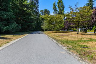 """Photo 18: 1148 MAPLEWOOD Crescent in North Vancouver: Norgate House for sale in """"NORGATE"""" : MLS®# R2439525"""
