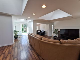 """Photo 3: 1148 MAPLEWOOD Crescent in North Vancouver: Norgate House for sale in """"NORGATE"""" : MLS®# R2439525"""