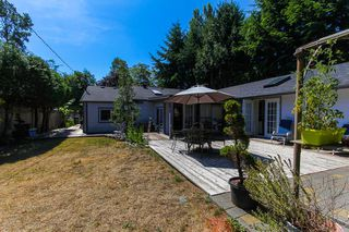 """Photo 14: 1148 MAPLEWOOD Crescent in North Vancouver: Norgate House for sale in """"NORGATE"""" : MLS®# R2439525"""