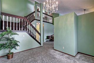 Photo 8: 283 QUEENSLAND Circle SE in Calgary: Queensland Detached for sale : MLS®# C4290754