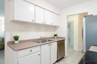 """Photo 9: 609 9867 MANCHESTER Drive in Burnaby: Cariboo Condo for sale in """"Barclay Woods"""" (Burnaby North)  : MLS®# R2488451"""