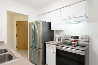"""Photo 8: 609 9867 MANCHESTER Drive in Burnaby: Cariboo Condo for sale in """"Barclay Woods"""" (Burnaby North)  : MLS®# R2488451"""